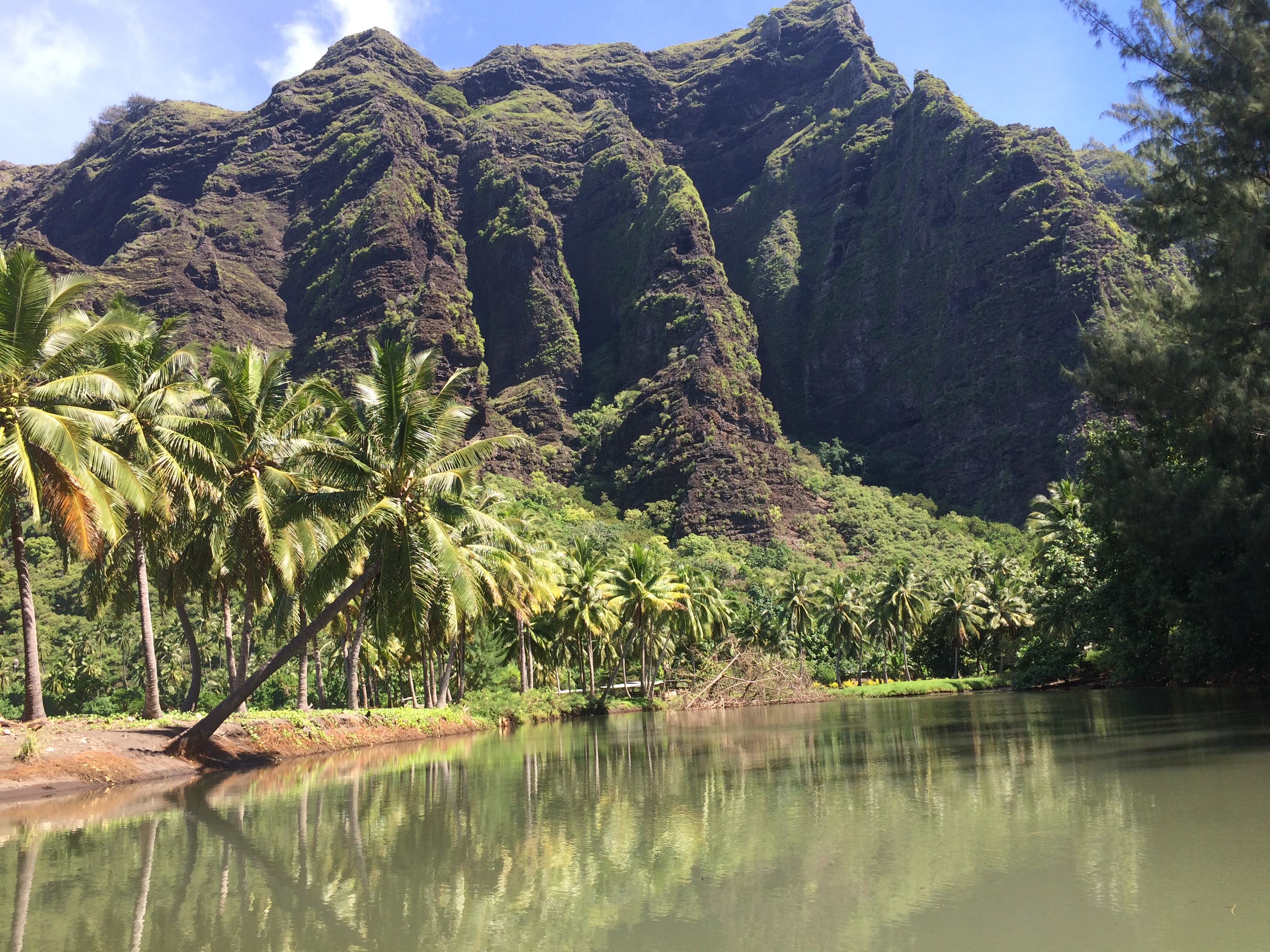 Pauls Valley Entrance Nuku Hiva The Adventure Travelers